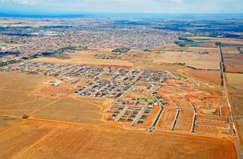 Aerial view of the 'Manhattan Place' housing estate in Tarneit, Victoria - March 2009