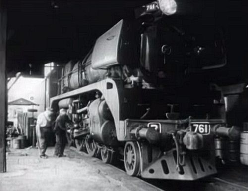 1973 Victoria Bitter television commercial featuring steam locomotive R761