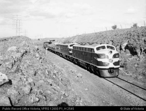 Pair of B class diesel-electric locomotives haul 1300 ton load up Ingliston Bank, 20 August 1952 (PROV image VPRS 12800/P1, item H 2545)